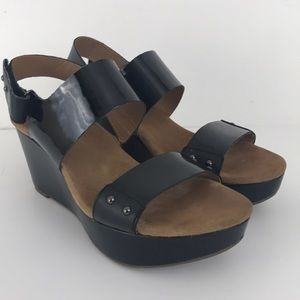 32b7532ac2ec81 Clarks artisan black patent wedge sandals 9.5 m